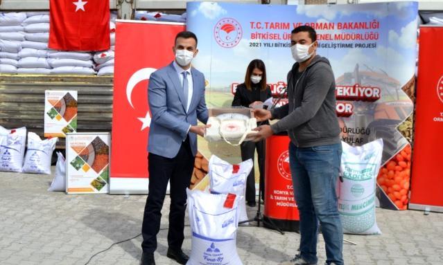 200 ton sertifikalı yerli mercimek tohumu çiftçilere dağıtıldı