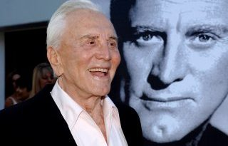 ABD'li ünlü oyuncu Kirk Douglas hayatını kaybetti