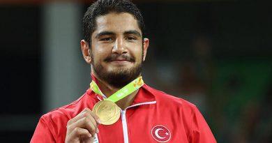 Milli güreşçi Taha Akgül, spor müşavirliğine atandı